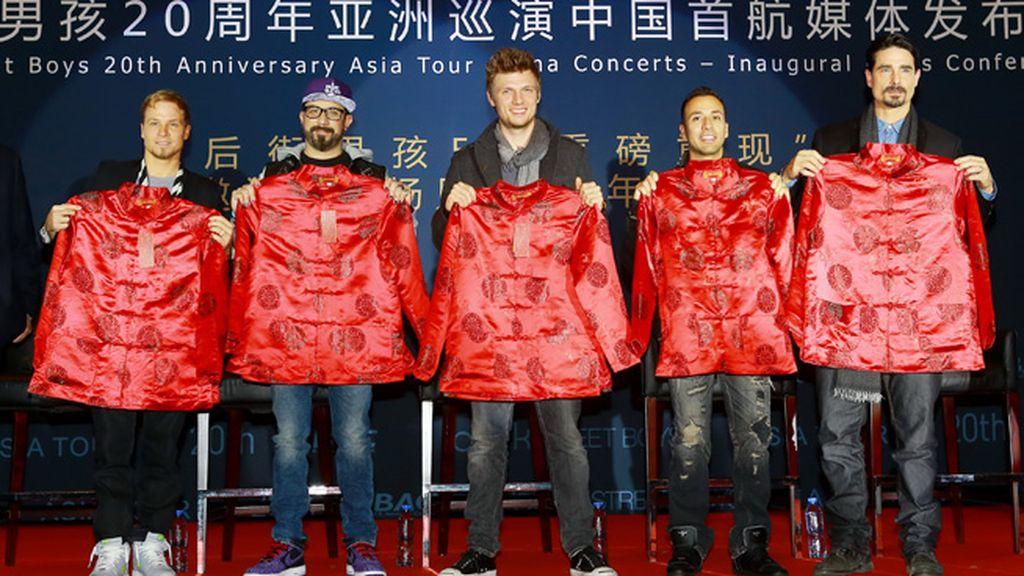 Los chicos de 'Backstreet boys' ya tienen un recuerdo de su viaje a China