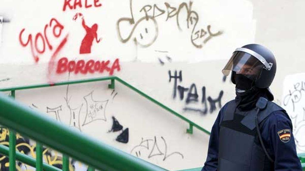 La policía registra una taberna en Vitoria por documentos de ANV