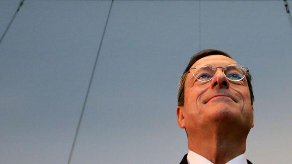 Draghi defiende en el Parlamento alemán el programa de compra de deuda
