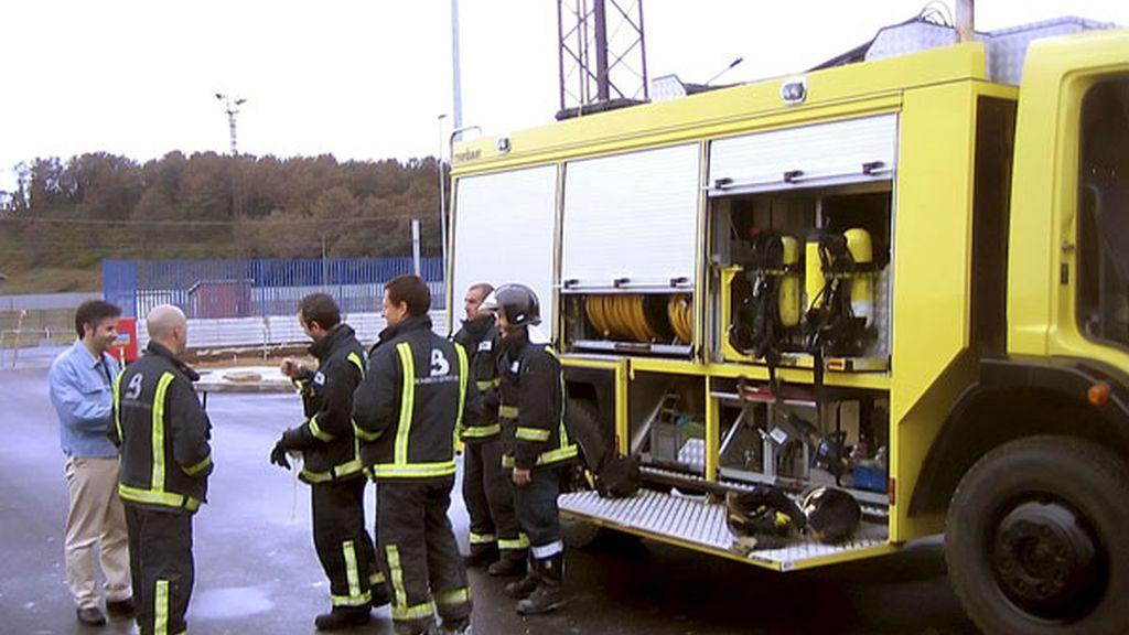Bajo control la fuga de ácido sulfúrico en una empresa asturiana