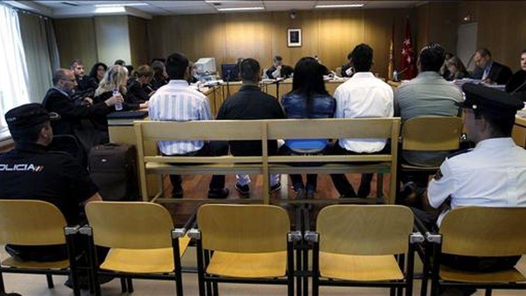 Vista del comienzo en la Audiencia Provincial de Madrid del juicio a la conocida como banda de violadores del parque del Oeste, en Madrid, que presuntamente agredió sexualmente en el verano de 2007 a cuatro chicas, hechos por los que la Fiscalía pide 87 años de cárcel para el supuesto cabecilla del grupo. EFE