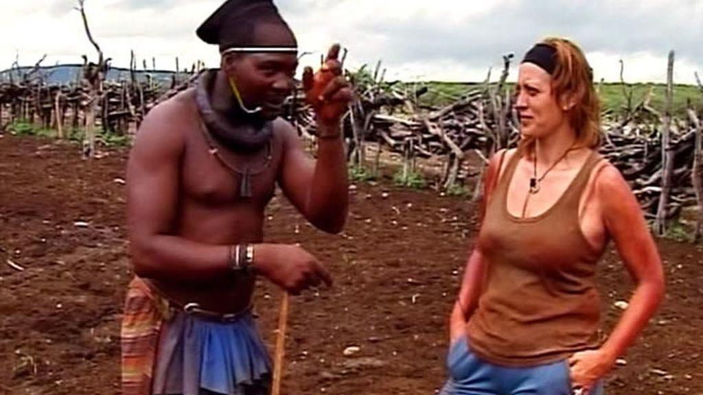 Kambana propone algo a Jose: le ofrece a su mujer para pasar la noche con ella en señal de amistad