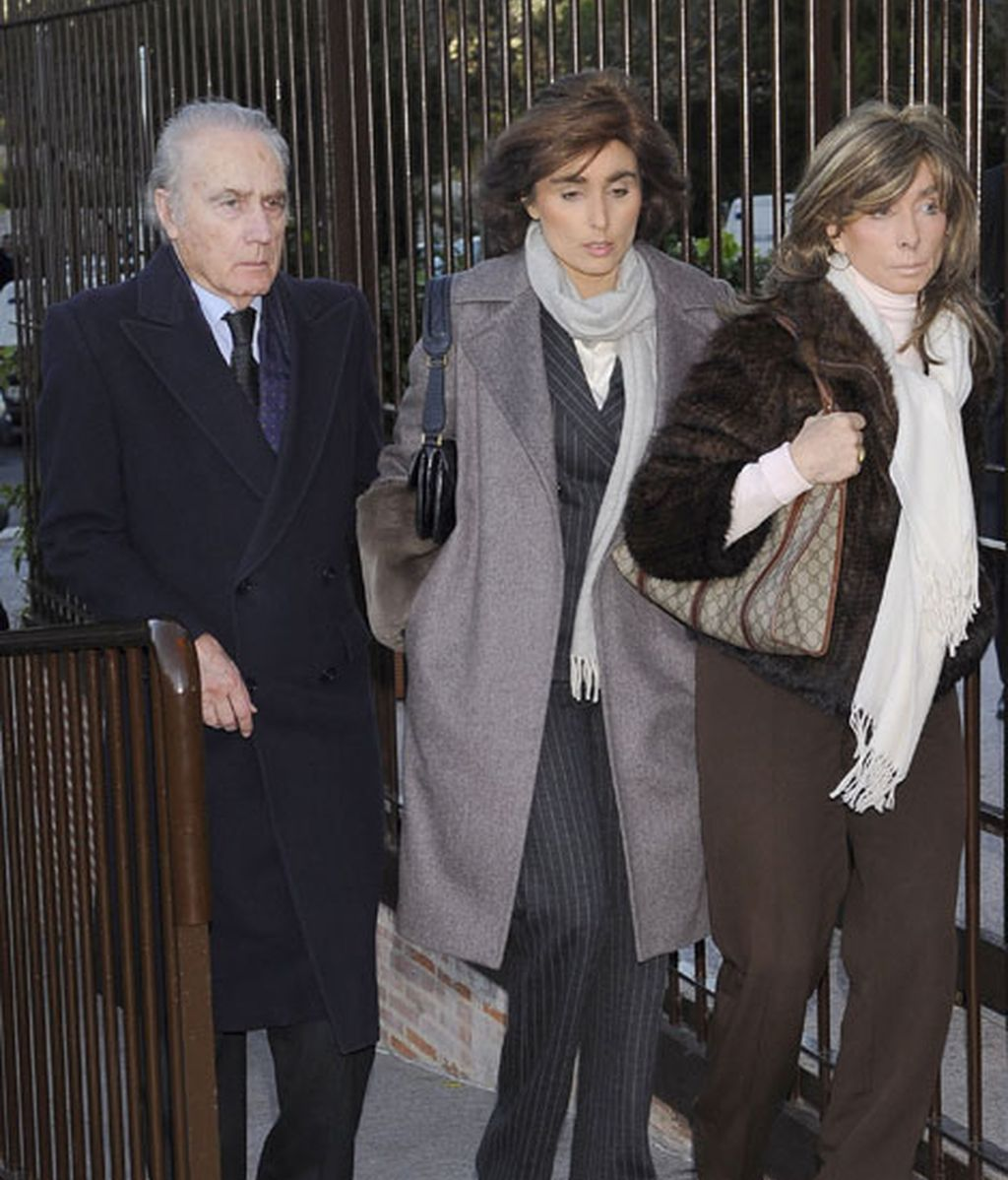 Paloma Segrelles con su marido y su hija