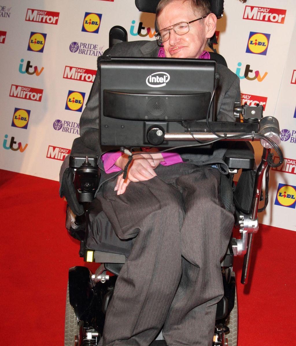 Stephen Hawking, 'NO'