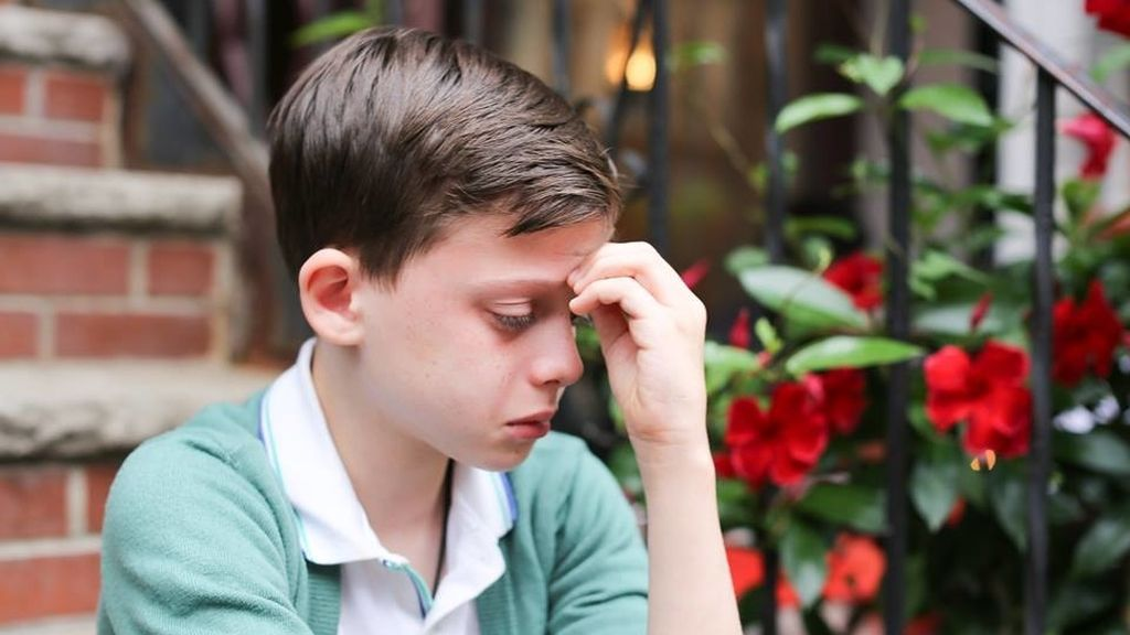 La imagen de un niño gay temeroso por su futuro, da la vuelta al mundo