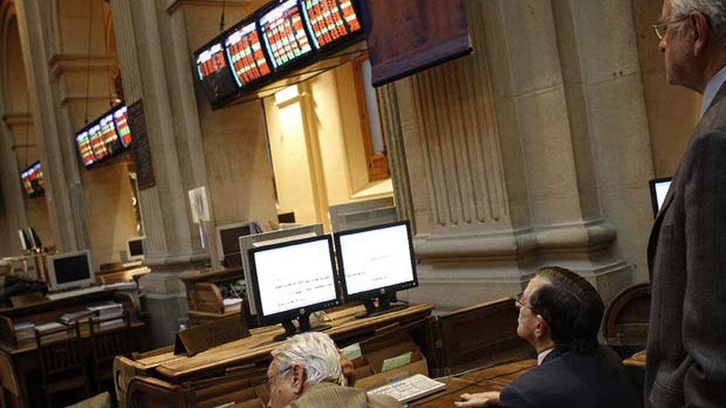 El Ibex recupera el verde tras caer un 1,83% en la apertura