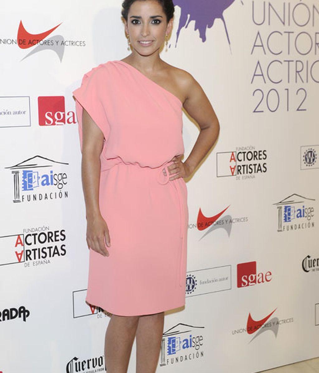 Inma Cuesta acudió con un favorecedor vestido rosa palo