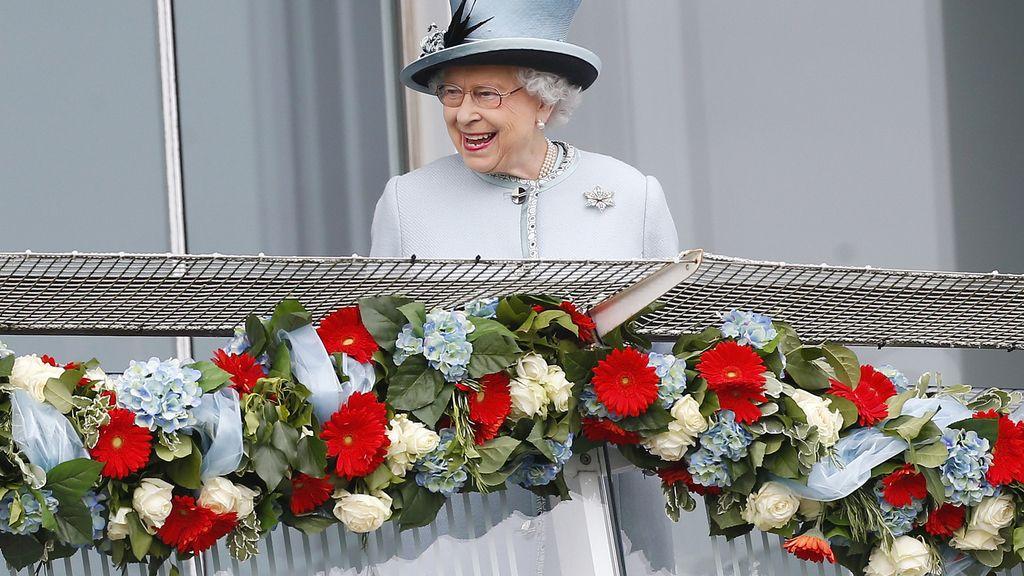 Isabel II cumple hoy 60 años como Reina de Inglaterra