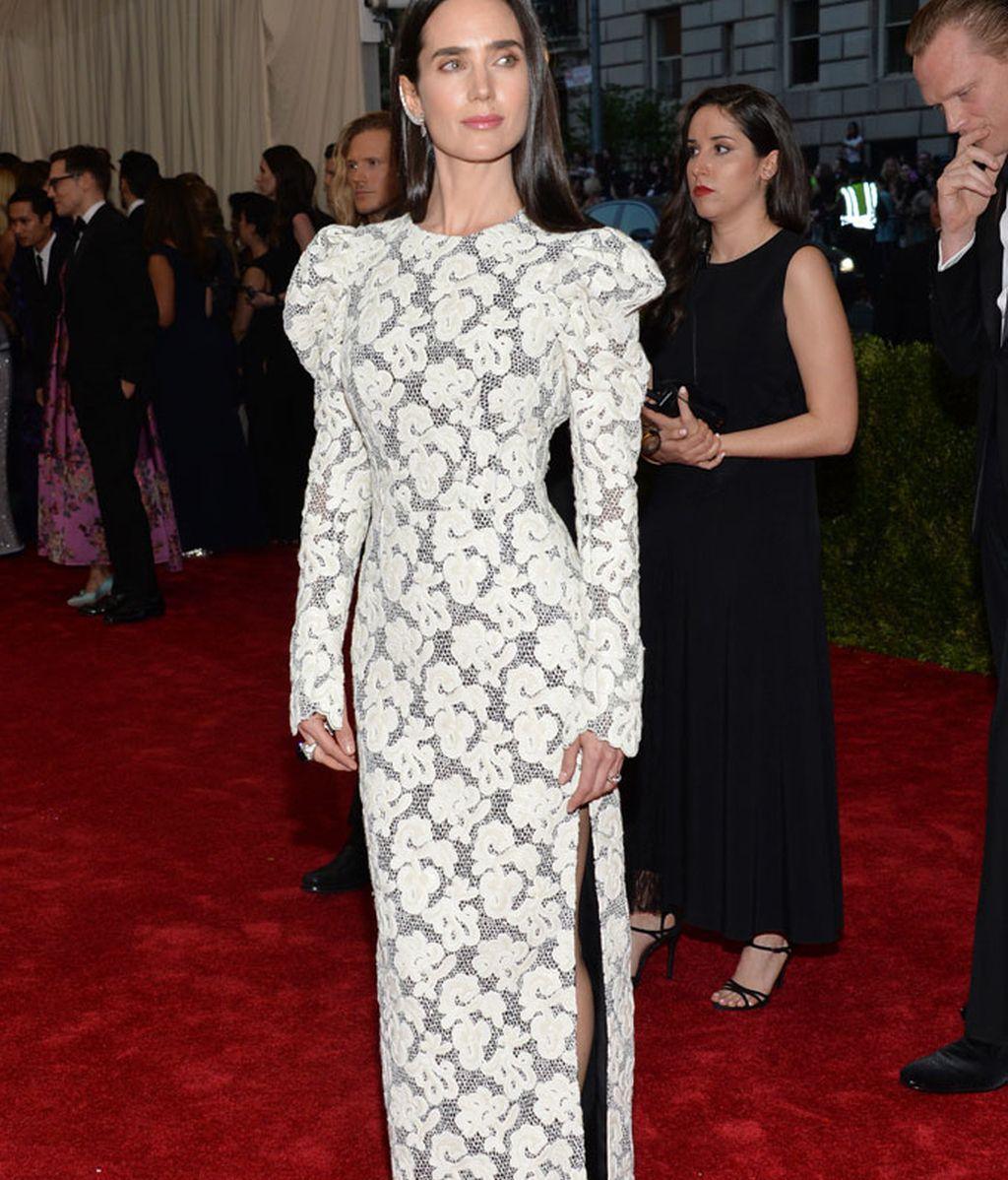 Jennifer Connelly con vestido de Louis Vuitton
