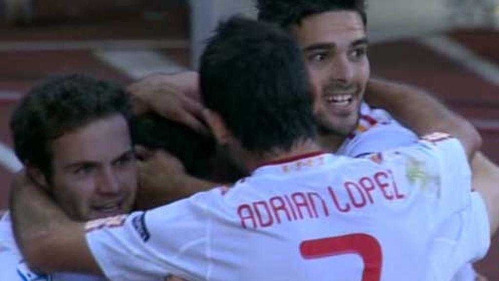 España celebra el gol de Ander