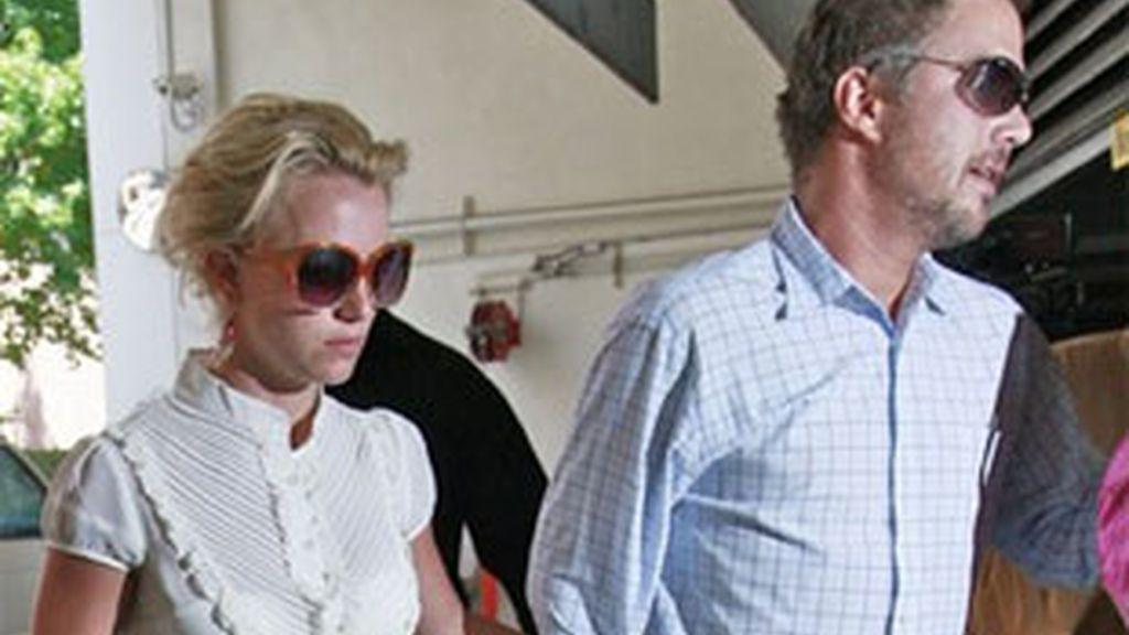Britney Spears junto a su novio en una imagen de archivo.