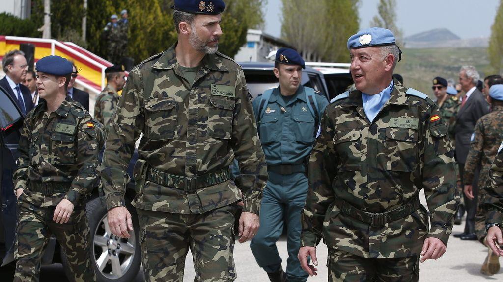 El Rey visita a las tropas españolas en Líbano