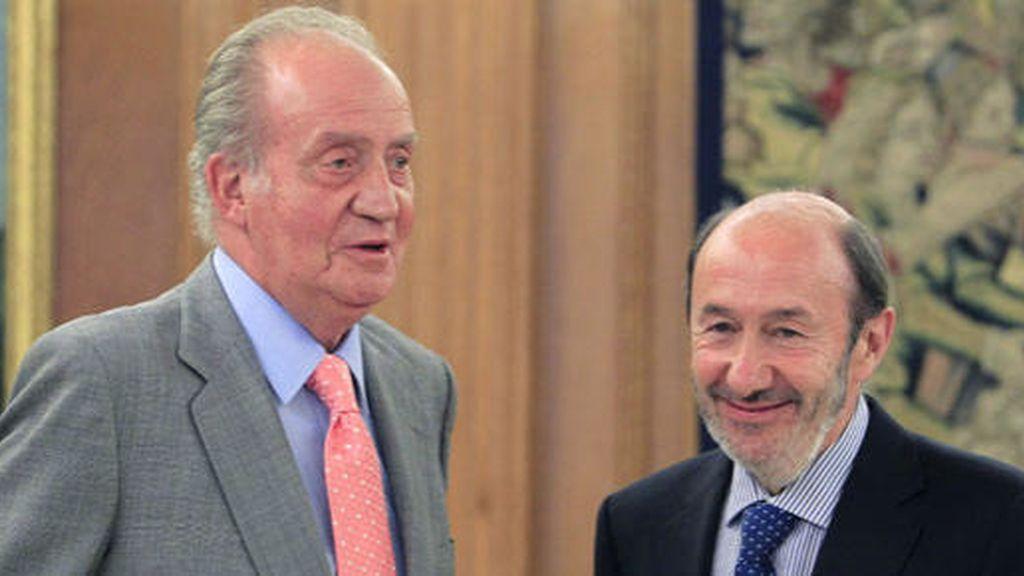 El PSOE toma la iniciativa para desarrollar el artículo 57 de la Constitución sobre abdicación y sucesión de la Corona
