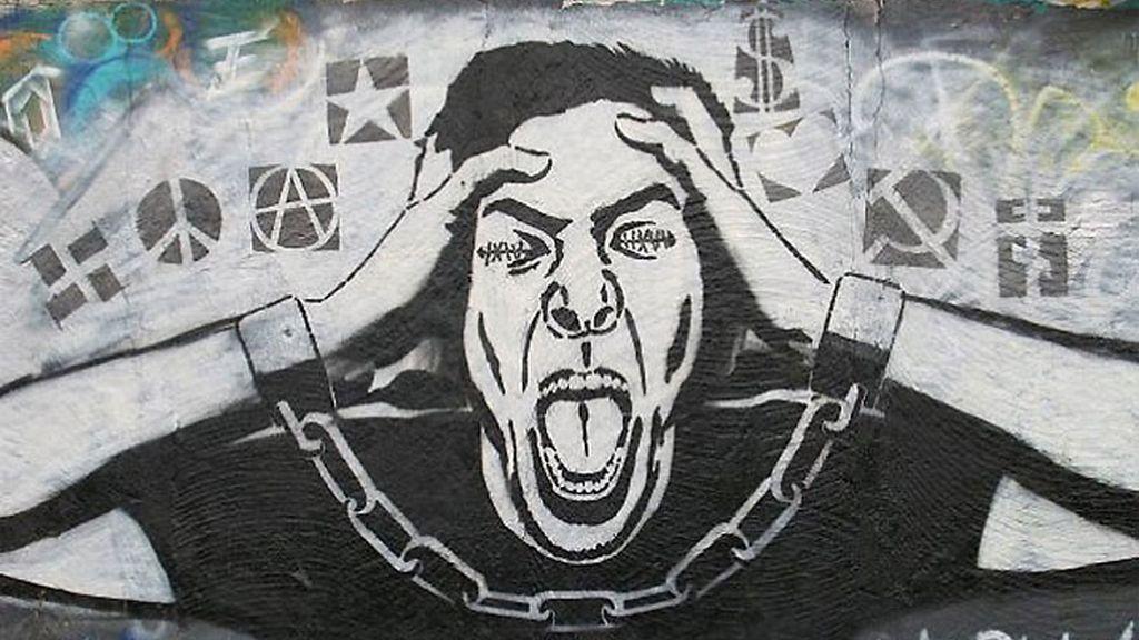 'Sharik' llena Ucrania de grafftis