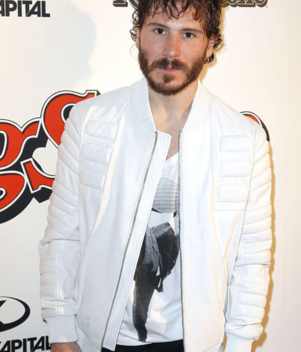 El actor Rubén Ochandiano se vistió de blanco