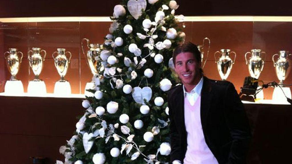 2010: Ramos, deseando la Feliz Navidad a los madridistas