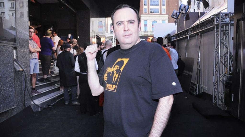 El actor Carlos Areces, sorprendido con los fans que se disfrazaron para el estreno