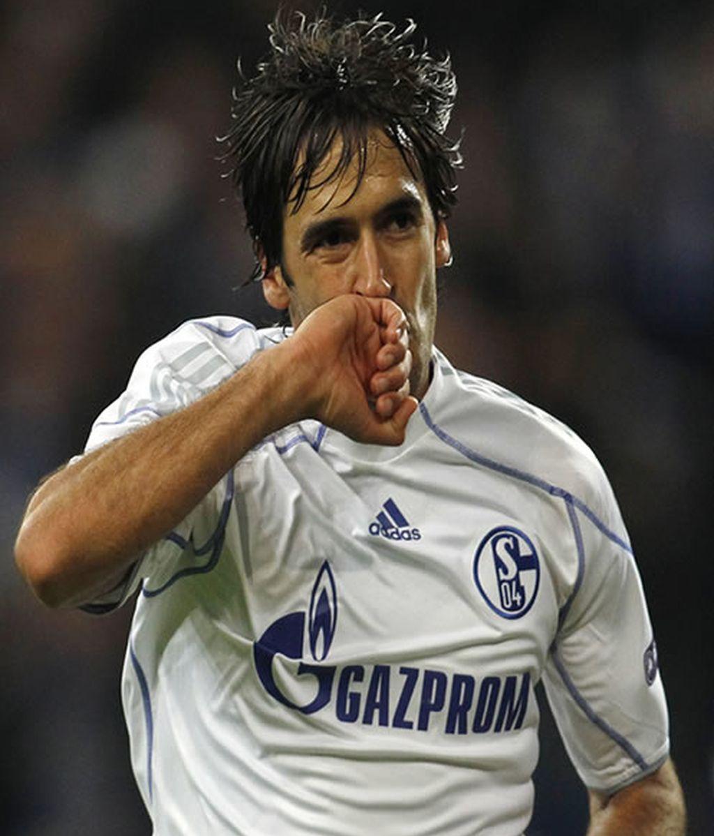 """Raúl iguala al """"torpedo Müller"""" en la Champions."""
