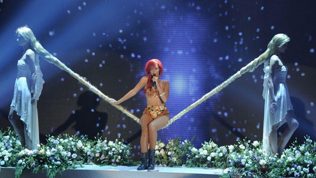 Rihanna, a rebufo de todas las demás
