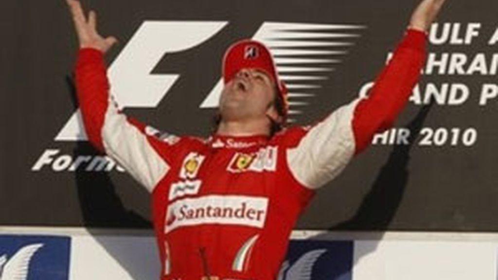 Alonso ha comenzado la victoria ganando. Foto: AP