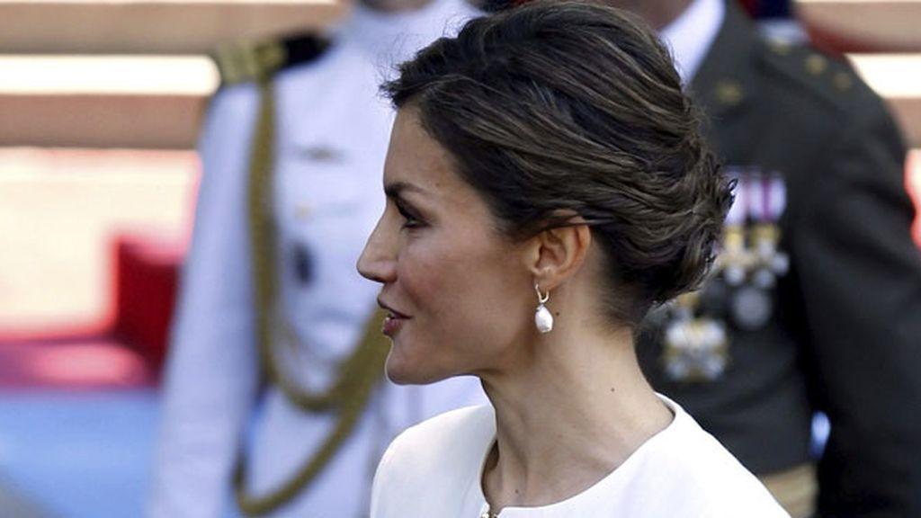 La elegancia de la reina Letizia durante el Día de las Fuerzas Armadas