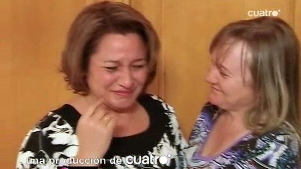 Isabel no puede contener las lágrimas