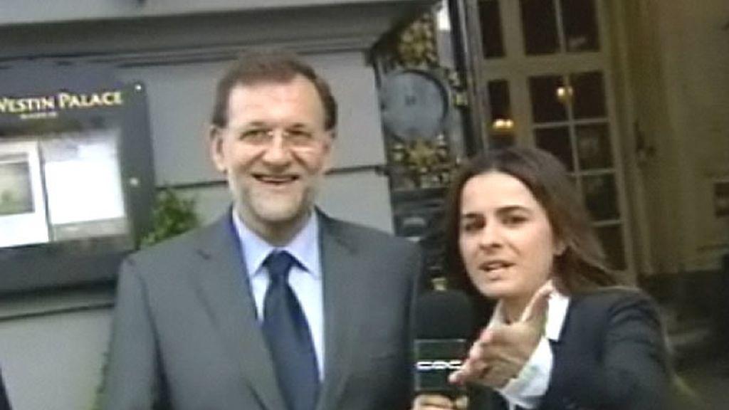 La reporera Esti Gabilondo entrevista a Mariano Rajoy