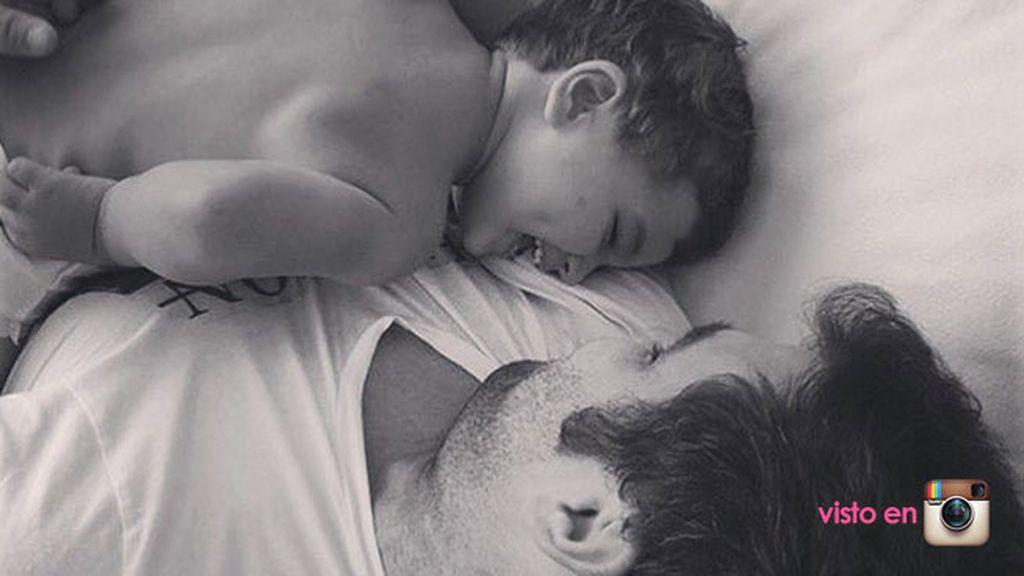 """""""Hace 4 años que solo pienso en ti, que me enseñaste lo que es amar de verdad"""""""