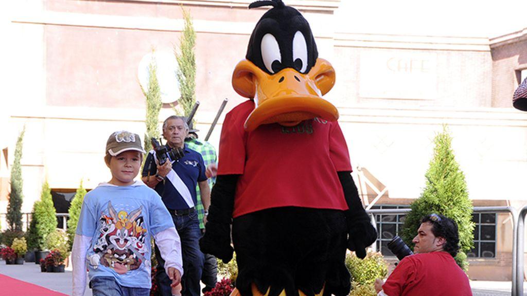 El pato Lucas con una camiseta de Scalpers, la marca de Rafael Medina