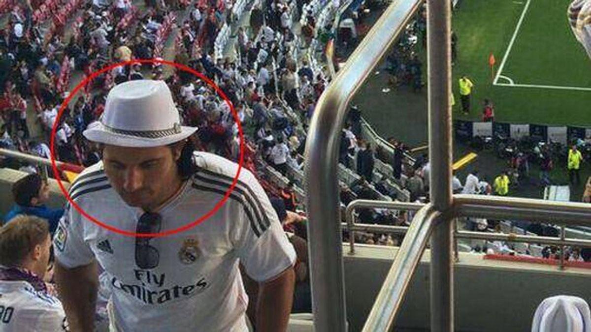 El doble de Messi con una camiseta del Real Madrid