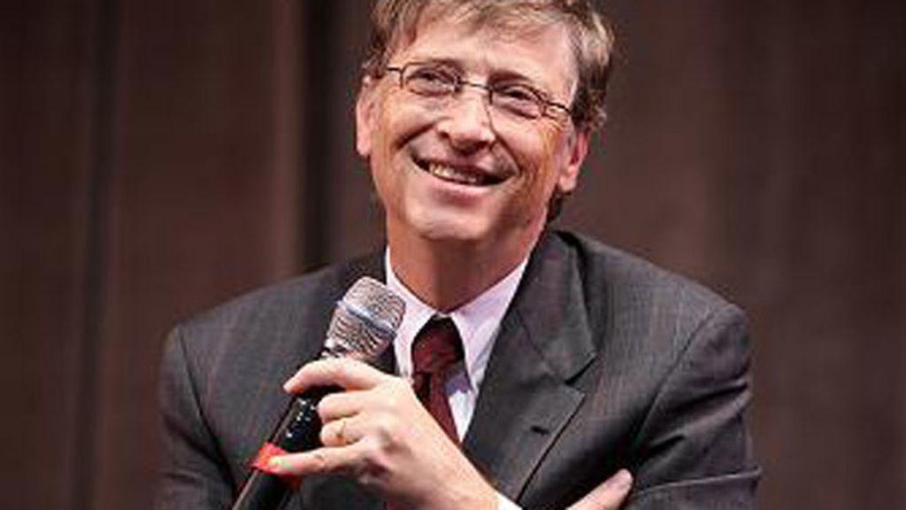Bill Gates coge el ratón con la izquierda