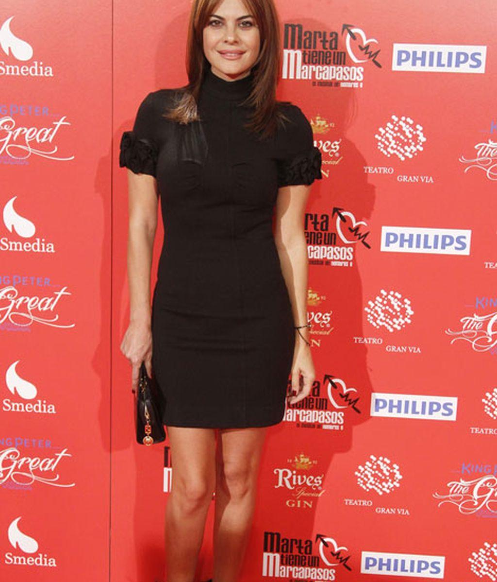 La modelo María José Suárez, vestida de negro