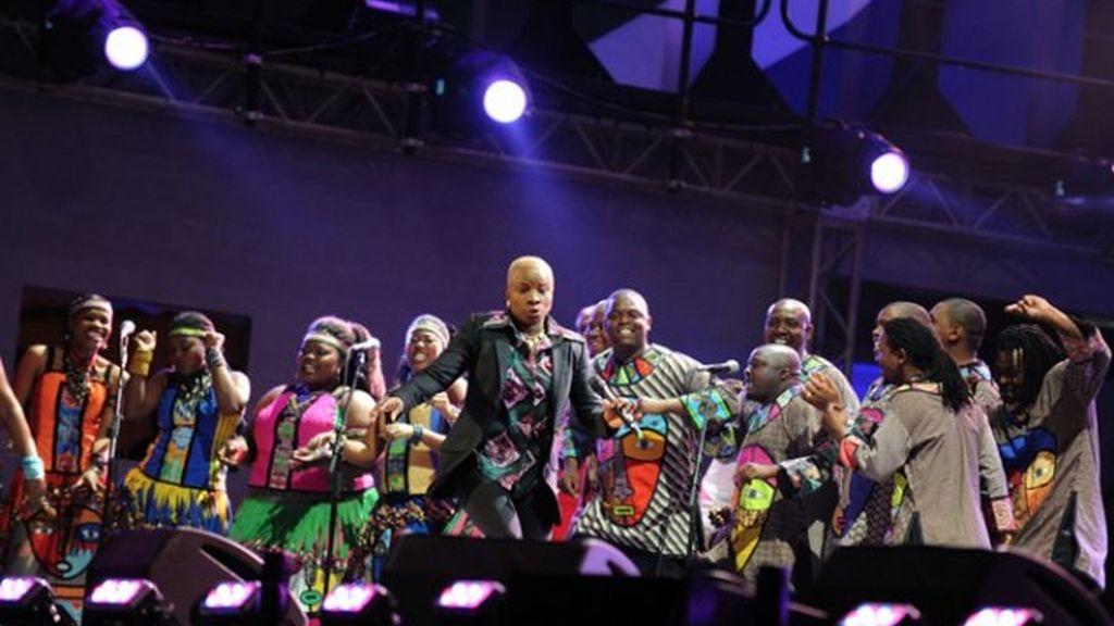 Desfile musical para el arranque del Mundial