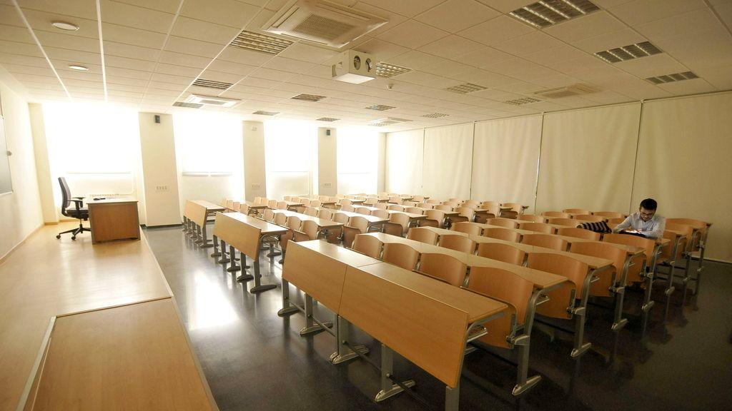Aulas vacías en la facultad de Económicas y Empresariales de la Universidad de Sevilla