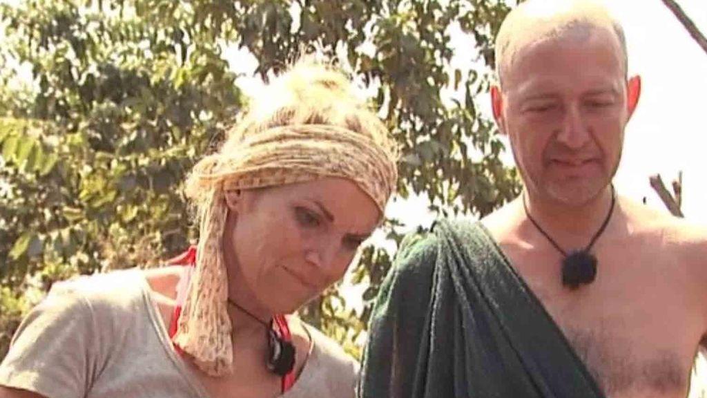 Chabeli se hace una escarificación para ser aceptada por los Suri