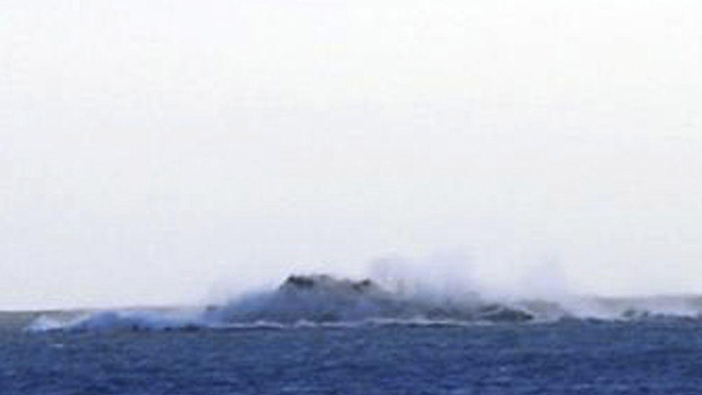 Erupción marina de el volcán cerca de El Hierro