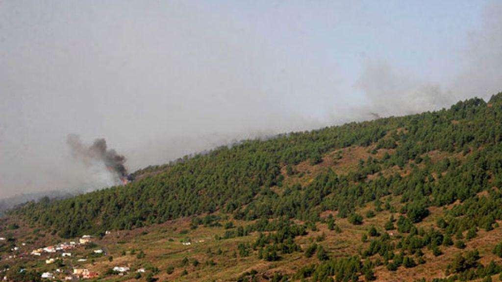 4.000 evacuados por un incendio descontrolado en La Palma