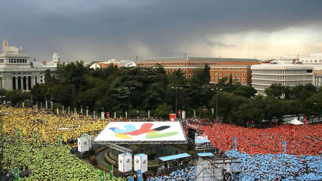 A pesar de la lluvia, el calor del apoyo de los ciudadanos se hizo sentir
