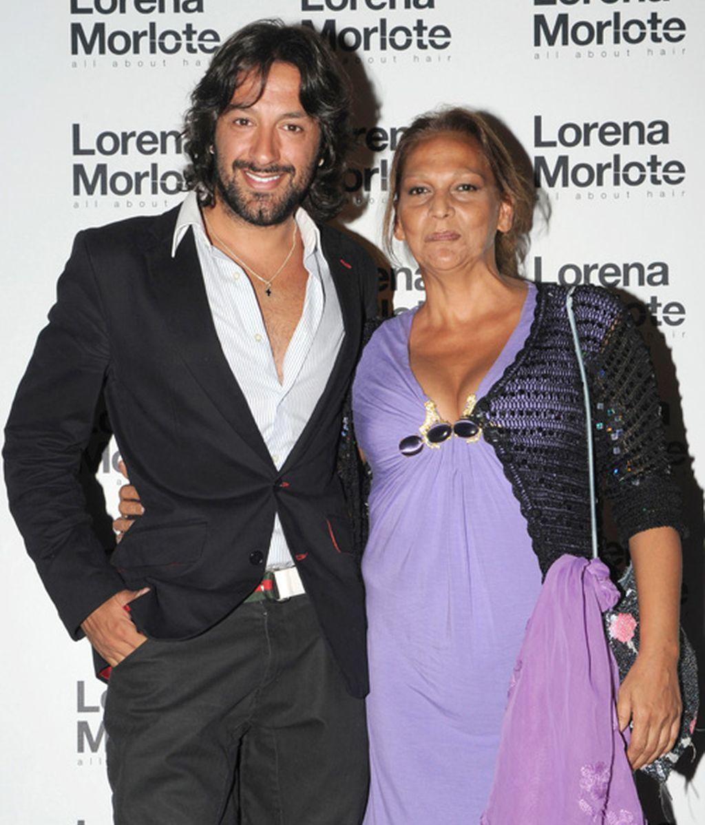 Los famosos con Lorena Morlote