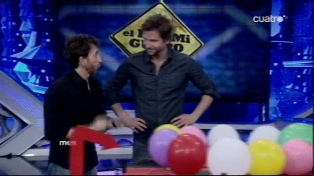 Resacón de helio con Bradley Cooper