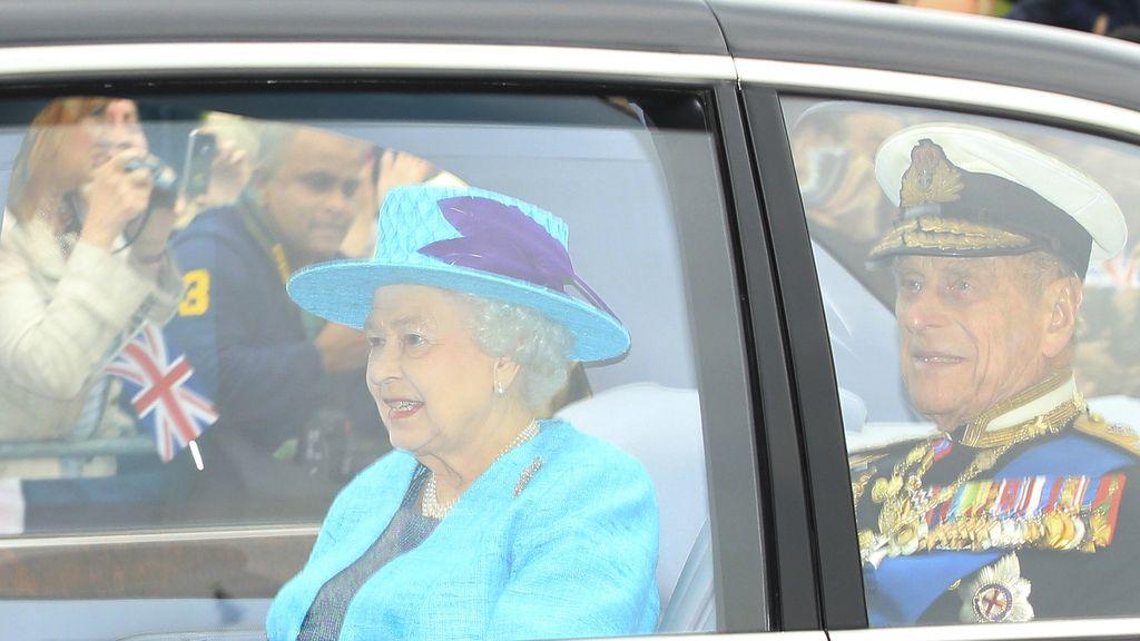 La reina Isabel II y el duque de Edimburgo en Winsdor