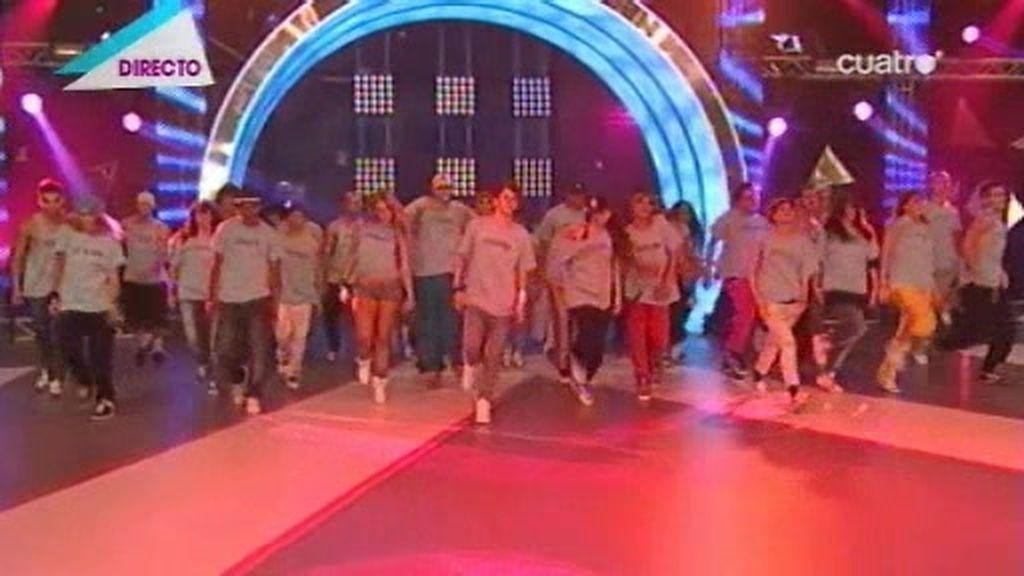 Coreografía de los 50 bailarines del Campus de Fama Revolution