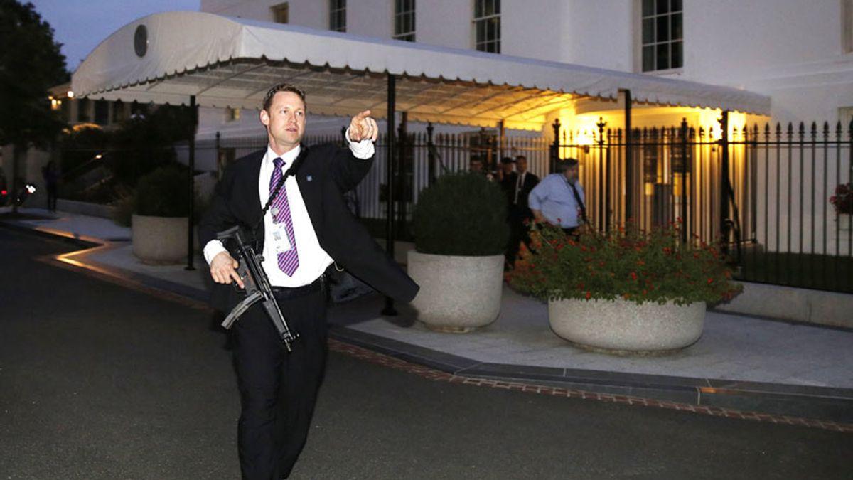 Dos intrusos en la Casa Blanca menos de 24 horas