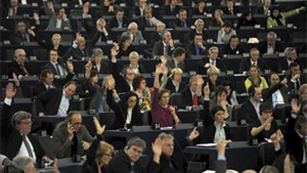 Los eurodiputados, durante una votación. Foto: EFE.