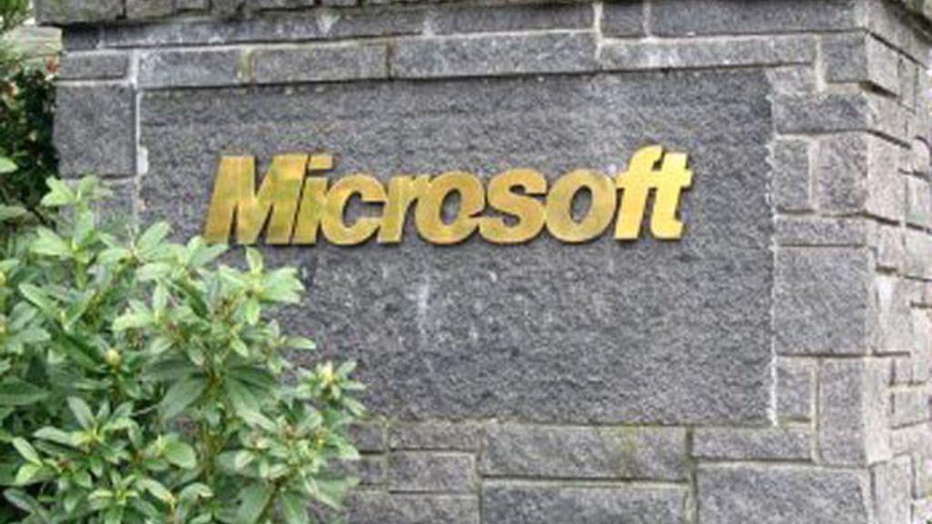 Microsoft se ha lanzado contra el binomio Google - Yahoo
