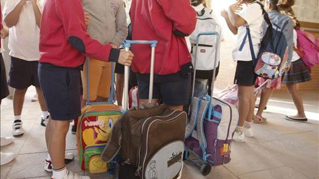 Niños a la salida de un colegio