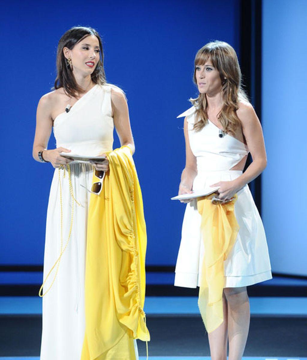 Quién dijo que compartir vestido podía ser un desastre