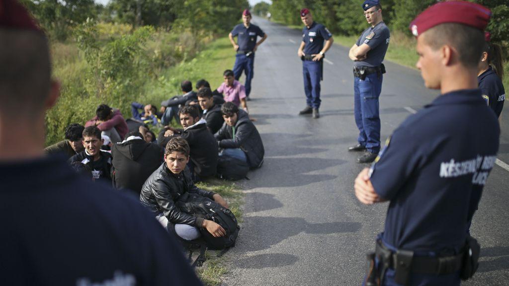 Hungría comienza a imputar a los inmigrantes que intentan entrar al país