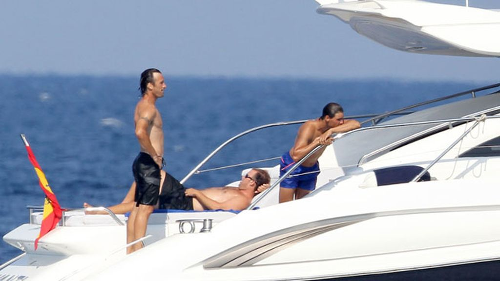 Nadal y Moyá se divierten en Marbella subidos al yate