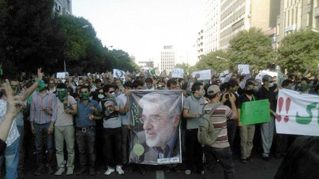 Seguidores de Musaví se manifiestan en Irán